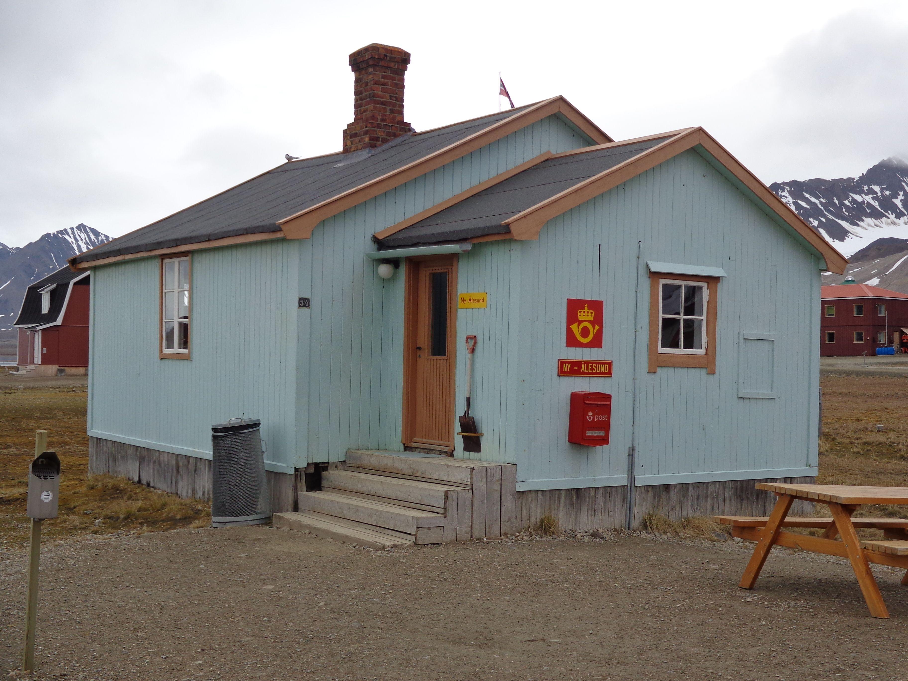 Ny-Alesund-Post-Office